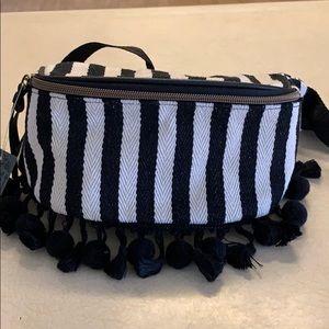 Fanny pack. Black & white stripes.